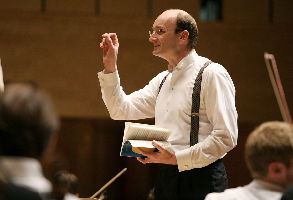 Andrew Manze, conductor